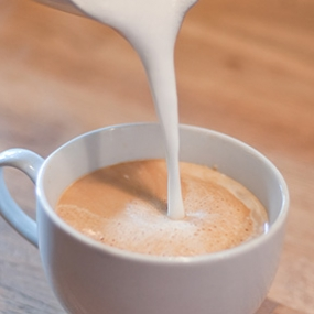 latte-pour